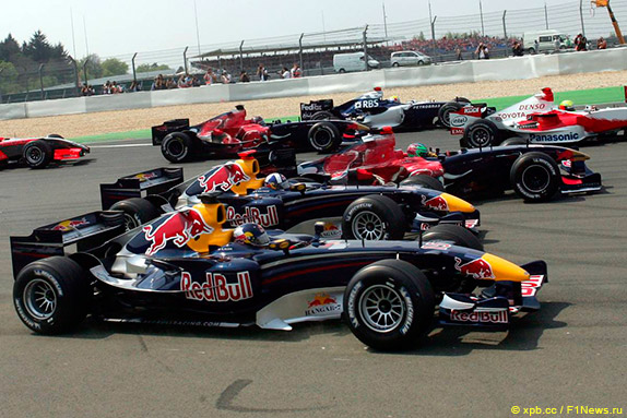 Машины Red Bull Racing, Toro Rosso, Williams и Toyota на Гран При Европы 2006 года