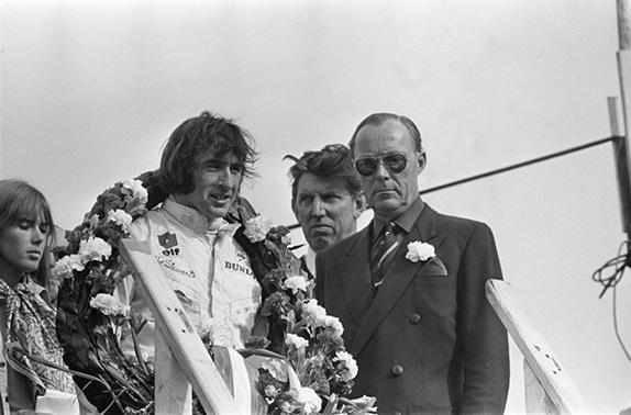 Джеки Стюарт на подиуме Гран При Нидерландов 1969 года
