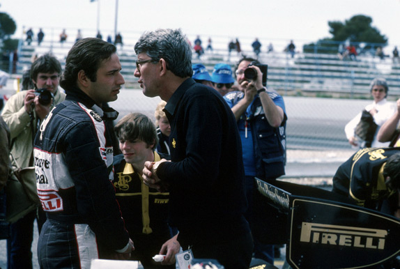Пилот Lotus Элио де Анжелис на Гран При Франции 1983 года