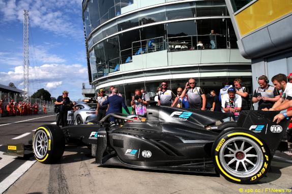 В Формуле 2 показали 18-дюймовые шины