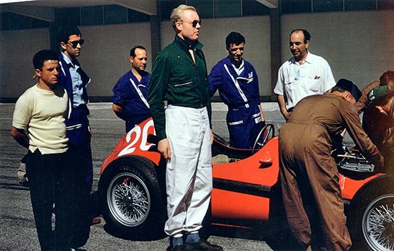 Майк Хоторн и его Ferrari Dino 246F1 на Гран При Аргентины