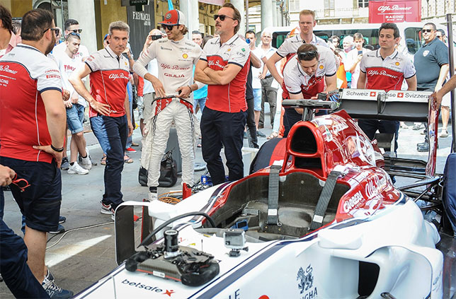 В Бризигеллу Антонио Джовинацци прибыл на машине Формулы 1