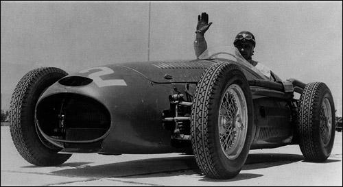 Хуан-Мануэль Фанхио на Maserati 250F