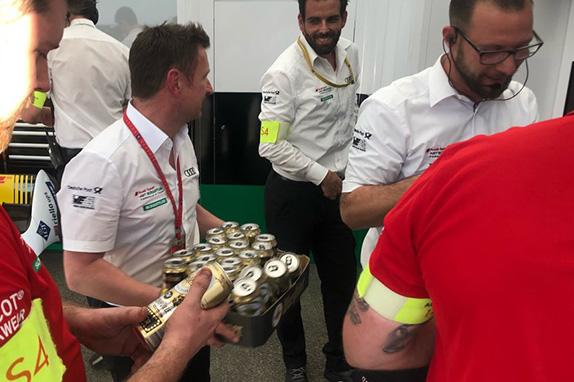 Команда Audi готовится отпраздновать победный дубль
