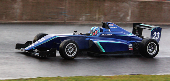 Билли Монгер пилотировал машину Ф3 команды Carlin