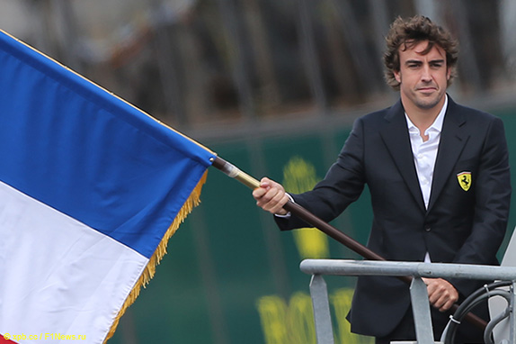 В 2014 году Фернандо Алонсо доверили дать старт гонке в Ле-Мане, а теперь он приступил к подготовке к легендарному марафону, чтобы в следующем году бороться за победу