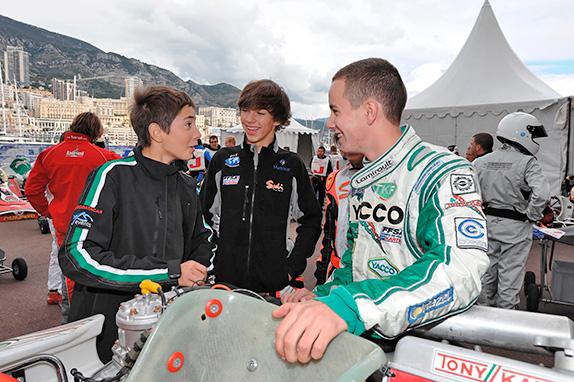 Пьер Гасли (в центре) и Антуан Юбер (справа) на картинговой гонке в Монако, 2010 год