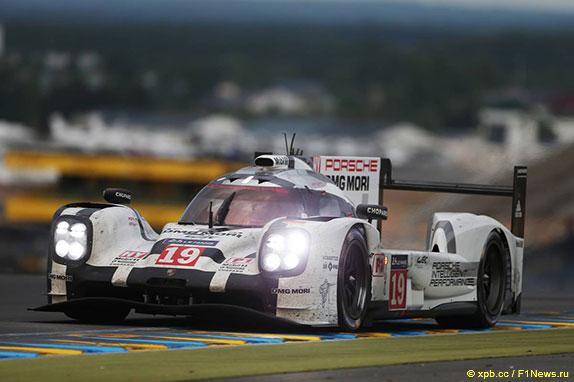 Спортпрототип Porsche, на котором Нико Хюлкенберг, Эрл Бамбер и Ник Тэнди выиграли Ле-Ман в 2015 году