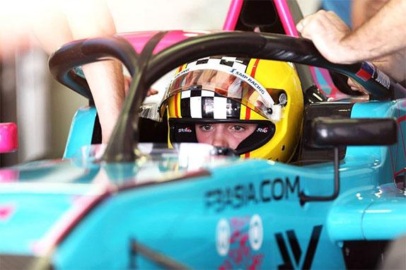 Ирина Сидоркова на первом этапе F3 Asia в Дубае, фото FormulaK