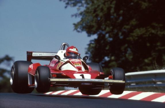 Скончался трехкратный чемпион мира вклассе Формула-1 иоснователь авиакомпании Laudamotion