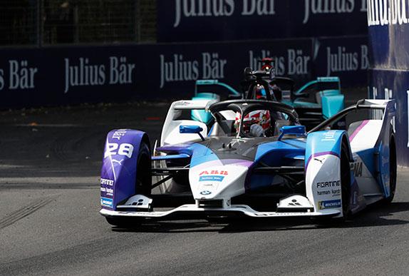 Макс Гюнтер на трассе чилийского этапа Формулы E