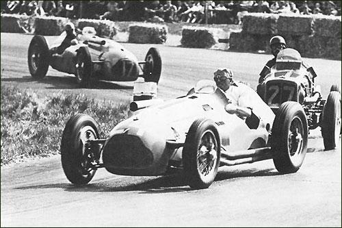 Филипп Этанселен (№ 24) на Гран При Великобритании 1949 г. в Сильверстоуне