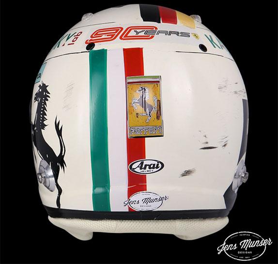 Новый шлем Себастьяна Феттеля, фото изTwitter Йенса Мунзера