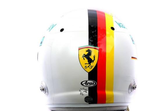 Шлем, который Себастьян Феттель представил перед началом сезона 2020 года