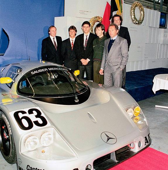 Молодые пилоты Mercedes Шумахер, Вендлингер и Френтцен на презентации перед сезоном 1990 вместе с Йохеном Массом. Фото Daimler