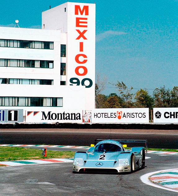 Михаэль Шумахер на трассе в Мехико. Фото Daimler