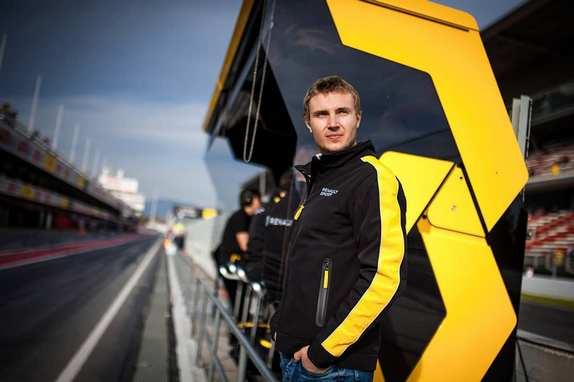 Сергей Сироткин на пит-уолл Renault