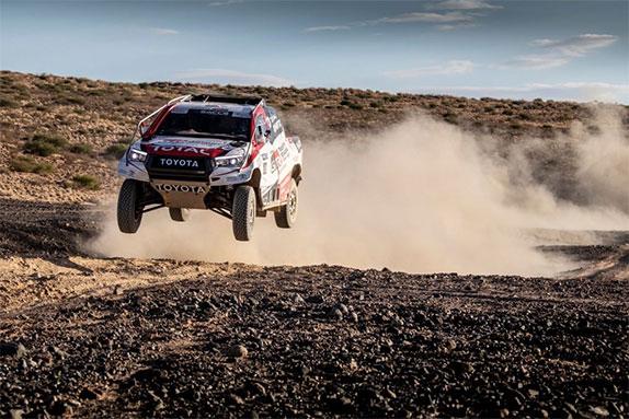 Фернандо Алонсо на тестах Toyota Hilux