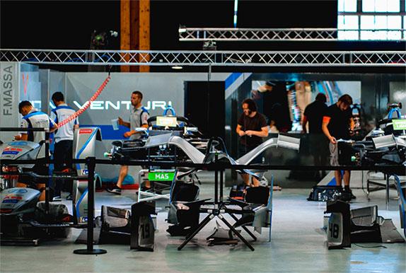 Боксы команды Venturi на гонках прошлого сезона