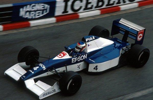 Жан Алези за рулем Tyrell, 1990 год