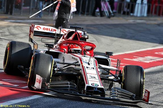 Роберт Кубица первым сел за руль новой Alfa Romeo