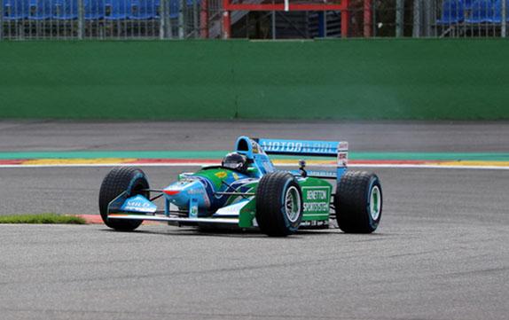 Мик Шумахер за рулем отцовского Benetton B194