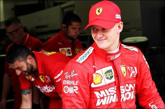 Сын семикратного чемпиона мира Мик Шумахер сегодня впервые сел за руль Формулы 1