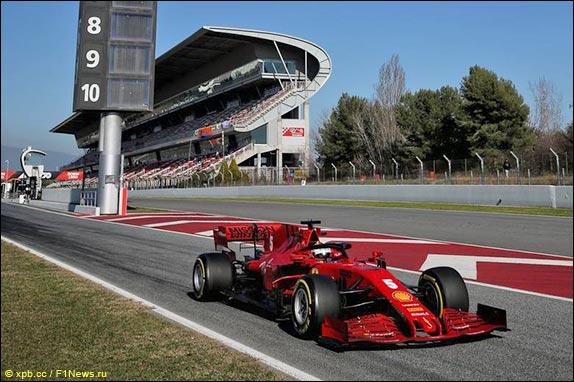 Во второй день тестов Себастьян Феттель сел за руль Ferrari SF1000