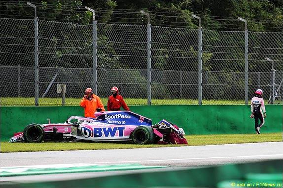 Серхио Перес разбил машину на выходе из Ascari