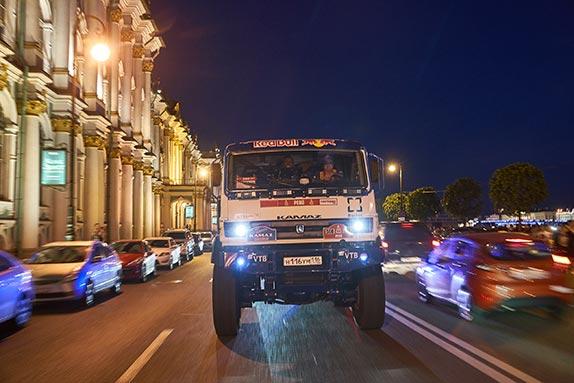 В Санкт-Петербурге прошел парад Фестиваля скорости