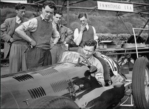 Питер Уайтхед в кокпите ERA. 1947 год