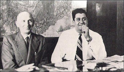 Джанни Лянча (справа) с главным конструктором команды Витторио Яно