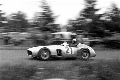 Херман за рулем Mercedes на домашнем Гран При Ф1 1954 года