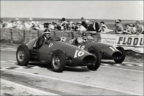 Борьба Хоторна (№16) и Фанхио за победу в Гран При Франции 1953 года