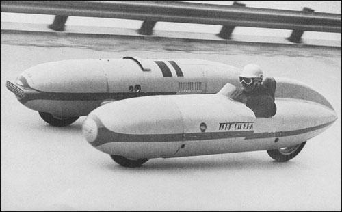 Гонщик за рулём рекордного Tarf собственной конструкции