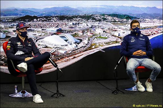 Макс Ферстаппен (Red Bull) и Джордж Расселл (Williams)