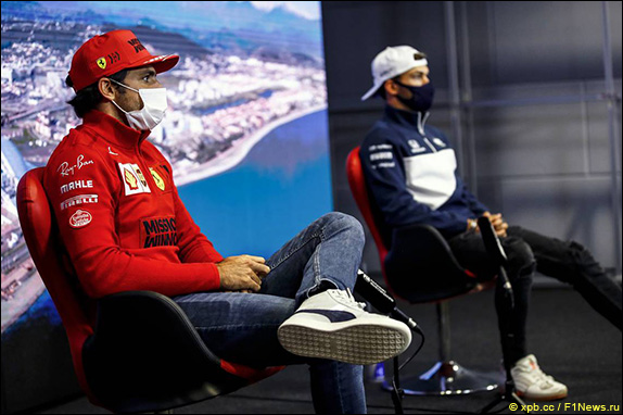 Карлос Сайнс (Ferrari) и Пьер Гасли (AlphaTauri)