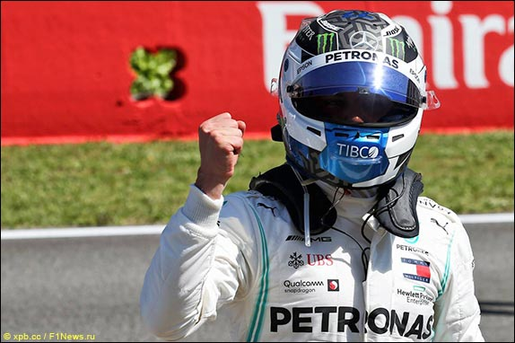 Валттери Боттас выиграл квалификацию в Барселоне