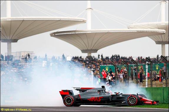 Льюис Хэмилтон выиграл Гран-при Китая