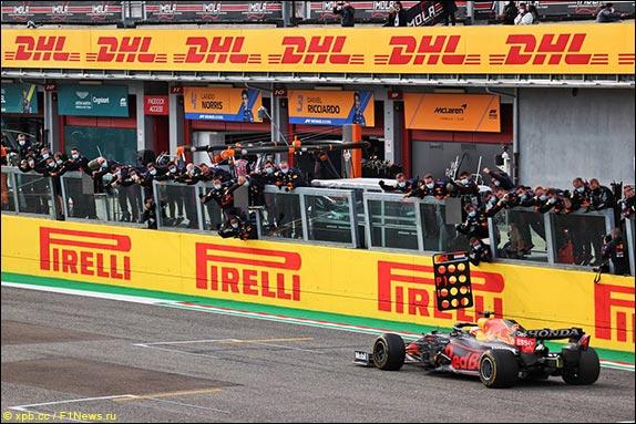 Макс Ферстаппен выиграл Гран При Эмилии-Романьи, одержав первую победу в сезоне и 11-ю в карьере