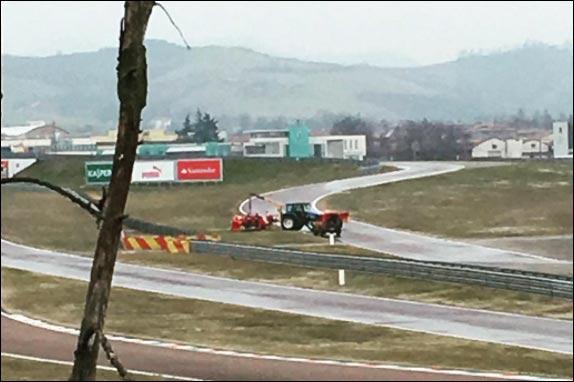 Пилот «Формулы-1» Феттель разбил машину натестах вФиорано