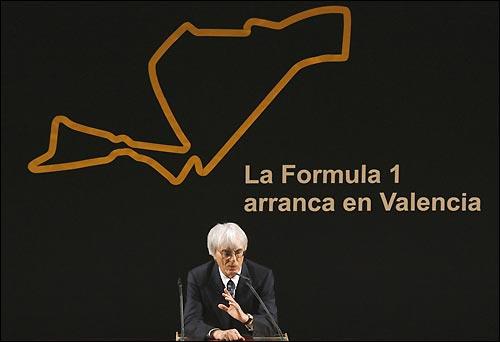 Берни Экклстоун на пресс-конференции в Валенсии