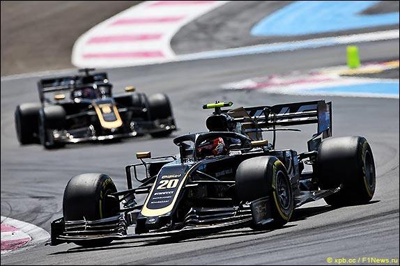 08-race-2019-magnussen-grosjean.jpg