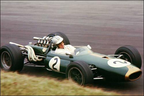 Денни Халм на Brabham BT24