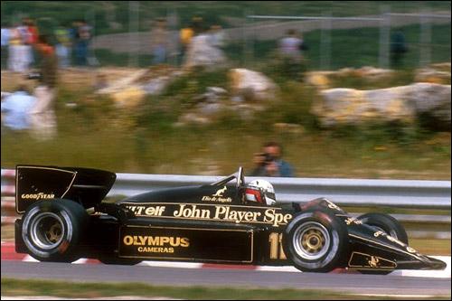 Элио де Анжелис за рулём Lotus 97T, 1985 год