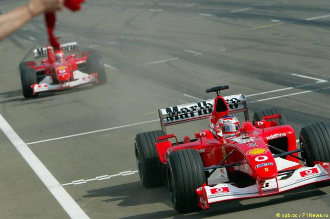 Финиш Рубенса Баррикелло и Михаэля Шумахера на Гран При Венгрии 2002 года