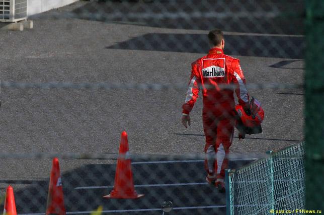 Михаэль Шумахер после схода в Сузуке