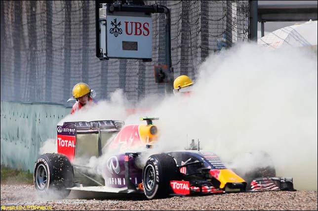 Отказ мотора на машине Квята в Шанхае...