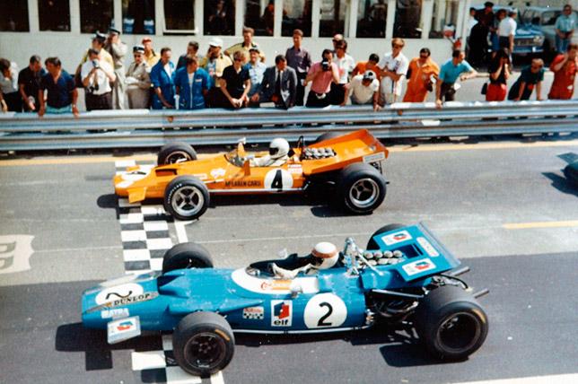 Джеки Стюарт и Денни Халм на стартовой решётке Гран При Франции 1969 года