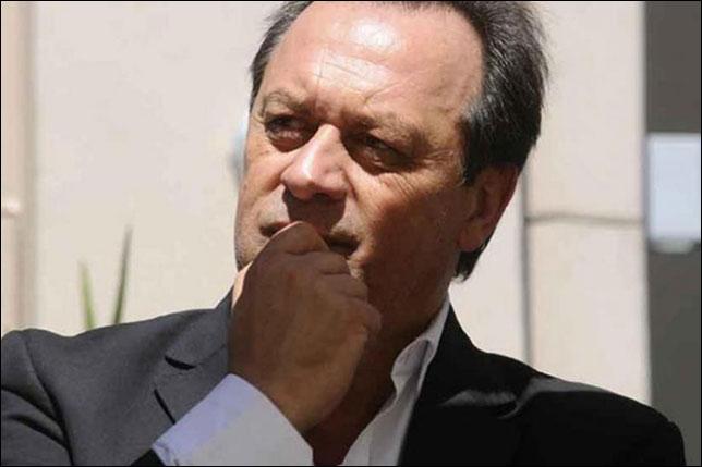 Густаво Сантос